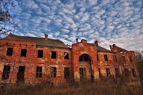 pałac w Gądnie (Śladami Pana Samochodzika