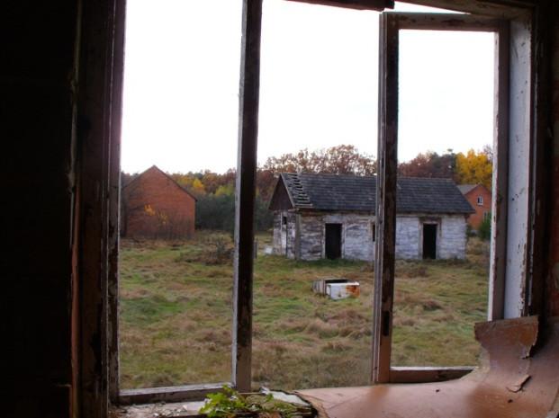 Opuszczona wioska w lesie