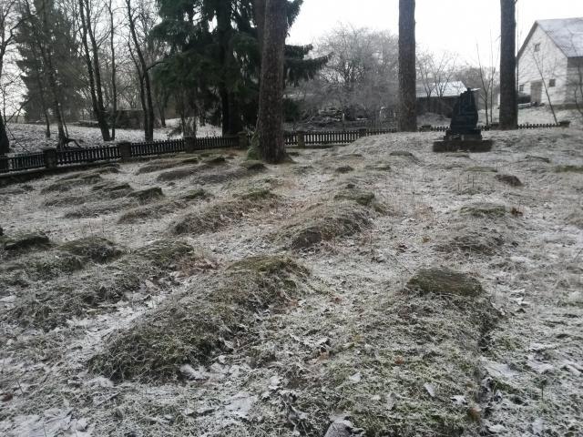 Cmentarz wojenny w Wierzbiszkach
