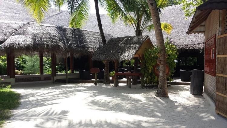 Kuredu Resort Main Pool