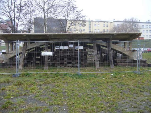 LUBLIN - zabytkowy most  z Łabuń
