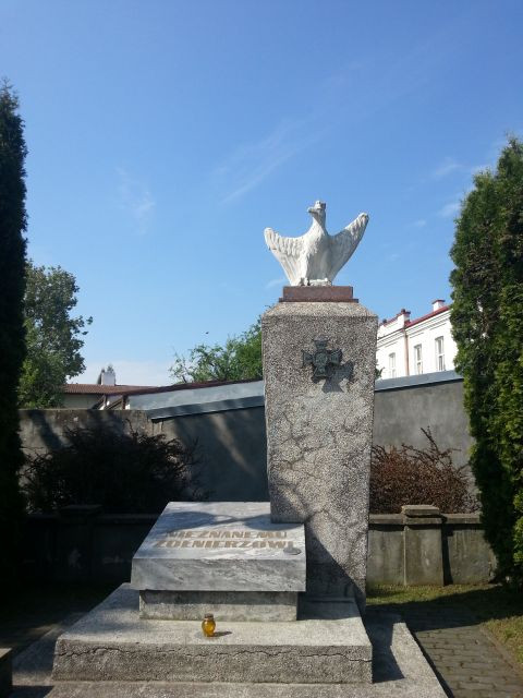 Zwoleń - pomnik Nieznanego Żołnierza