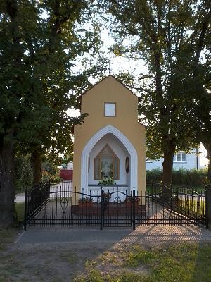 Kapliczka we Wielonku :)