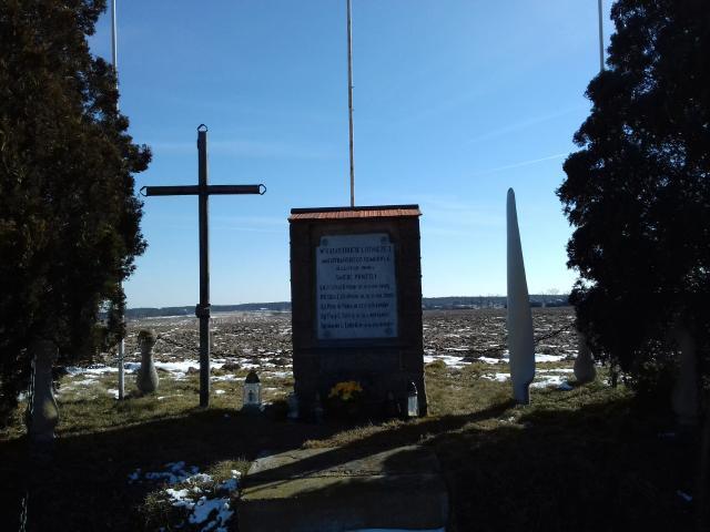 Jaraczewo - pomnik lotników